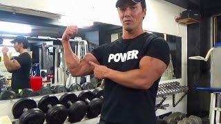 スタンディングダンベルカール20kg   上腕二頭筋に効かせるフォーム thumbnail