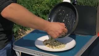 Jak zrobić ziemniaczane haluszki z boczkiem i cebulką