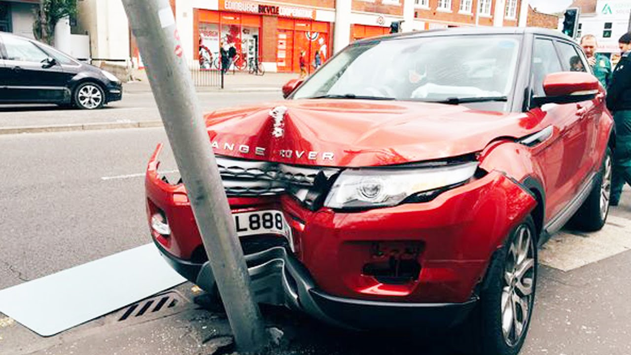 Land Rover Discovery >> Latest Car Accident of Range Rover Evoque - Road - Crash - Compilation - Traffic - 2016 - 2017 ...