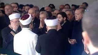 Cumhurbaşkanı Erdoğan Mesut Yılmaz İle Birlikte Tabuta Omuz Verdi