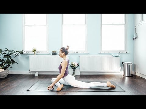 Y32 - Easy Beginners Evening Yoga Flow / De-stress and Relax
