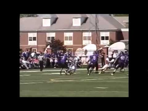Jasper Collins returns a punt for a TD in a Division III football game