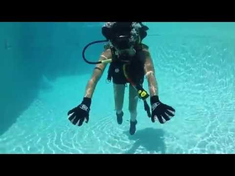 adaptive-scuba-diving-1st-time-trying-neutral-buoyancy