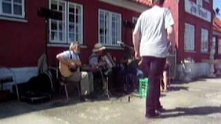 """""""Hans Chr. drog til stads"""" Fannik"""