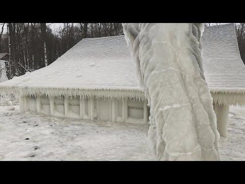 Jase - New York Home Completely Encased In Ice!