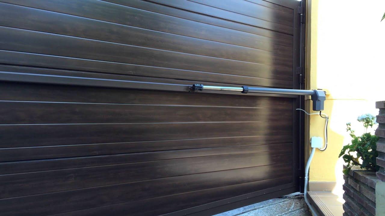 Puerta de una hoja batiente motor ram 600 automateasy for Motor puerta batiente 1 hoja