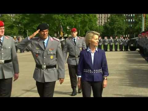 Erhöhung des Wehretats: So kontert Ursula von der Leyen die Kritik der SPD