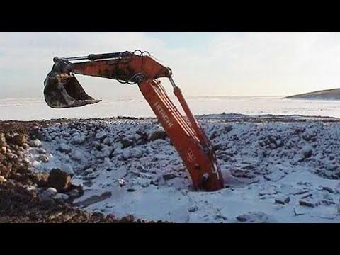 Почему в Сибири рабочую технику бросают или вовсе закапывают в котлованы?