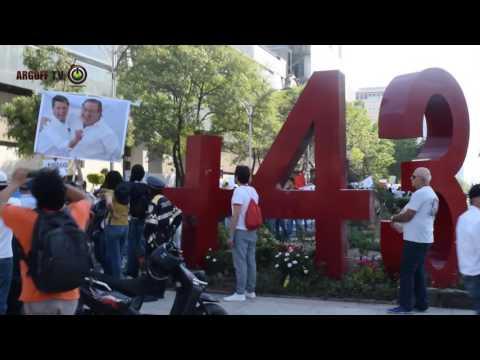 La Marcha por la Ciencia en el antimonumento a los 43