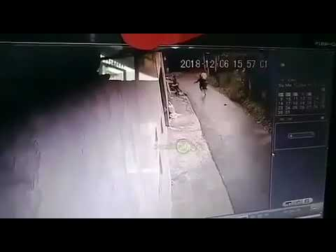 Seorang pelajar SMK tewas disambet clurit , Jalan Ciliwung Pondok Rajeg, Cibinong, Bogor . Mp3