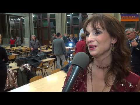 Anneke van Hooff stelt eerste Nederlandstalige solo-single voor