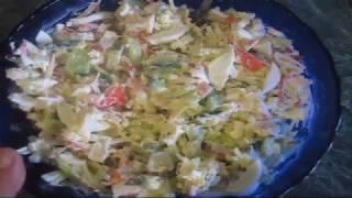 Салат с крабовым мясом, свежим огурцом и сыром