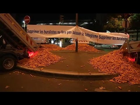Tabac: les buralistes mobilisés à Paris contre le paquet neutre