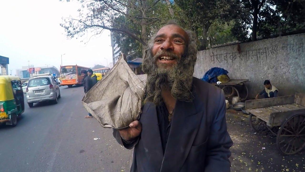 Goa Блог 90. Выбираем товары и сумки из кожи верблюда в Арамболь .