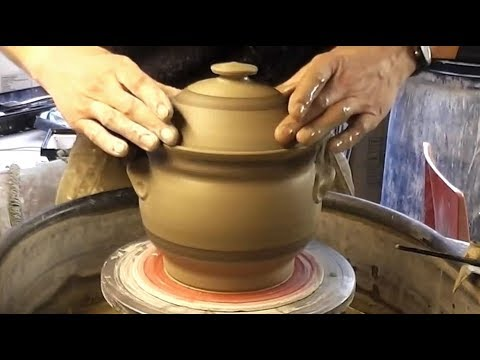 throwing-/-making-a-pottery-casserole-&-lid-on-the-wheel