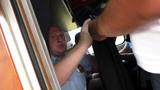полицейский в поезде
