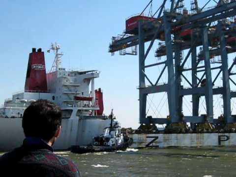 Llegada de gruas post panamax a TCP puerto de Montevideo