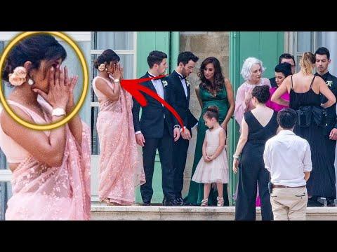 First Look Priyanka Chopra Crying, Poses With Nick Jonas Family | Joe Jonas Sophie Turner Weddig