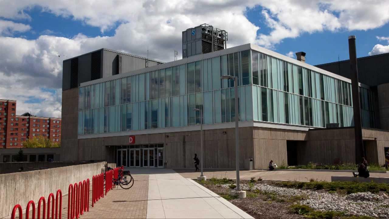 Обучение в Канаде. Университеты и колледжи Торонто - YouTube