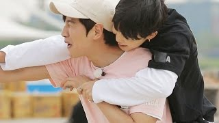 BTS vs Running Man, carrying boxes match with full of cheating! 《Running Man》런닝맨 EP432 thumbnail
