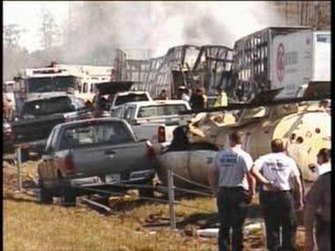 INTERSTATE 4 70 CAR PILE UP IN SMOKE FOG - 911 Calls