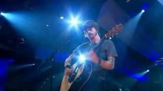 Foo Fighters - Razor (live on Jools Holland)  [2005]