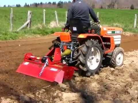kubota b1502 avec rotovator part 2 youtube. Black Bedroom Furniture Sets. Home Design Ideas