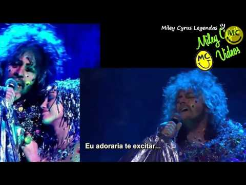 The Flaming Lips - A Day In The Life Feat. Miley Cyrus [Live on Conan] [Legendado] ᴴᴰ