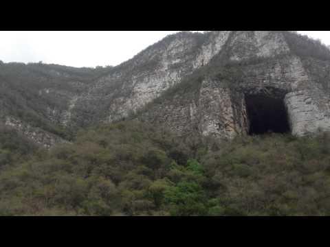 Cueva de los murciélagos en Santiago, Nuevo León, México.