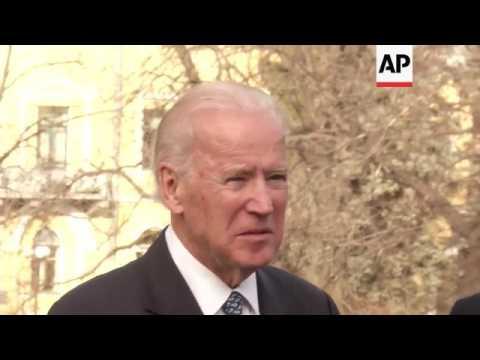 Biden visits Ukraine, meets Poroshenko