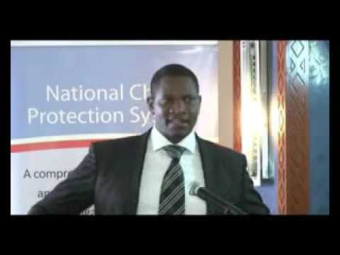 Cornel Ogutu, ANPPCAN presenting on National Child Protection Systems in Eastern Africa.