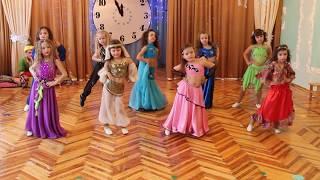 Download Танец восточных красавиц Mp3 and Videos