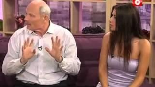 Сара Окс учит Геннадия Малахова варить зелье