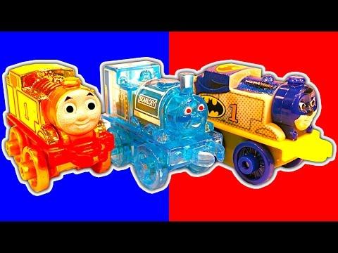Thomas MINIS Wave 4 Gold Thomas Batman & Robin Surprise Toy Crazy Train Wrecks