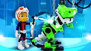 Игрушки для детей из мультфильмов. Расти собрал робота динозавра!