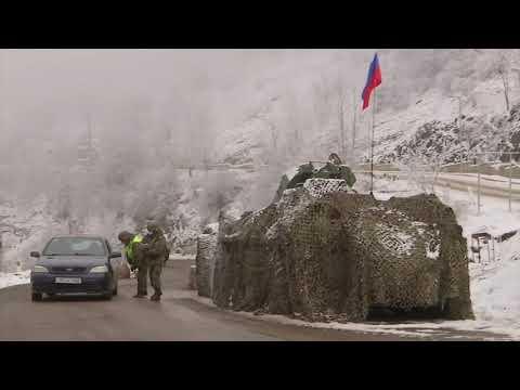Работа пропускного пункта у города Шуша в Нагорном Карабахе