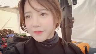 Actress Goo Hye Sun listening to SNSD Lil Touch!