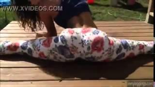 Repeat youtube video Chica bailando en Calzas