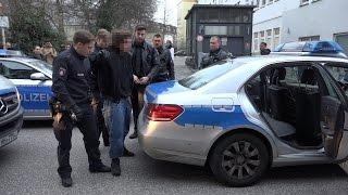 [EINSATZ] 2 Verletzte Polizisten durch Männergruppe nach Gebet 03.03.2017 Hamburg
