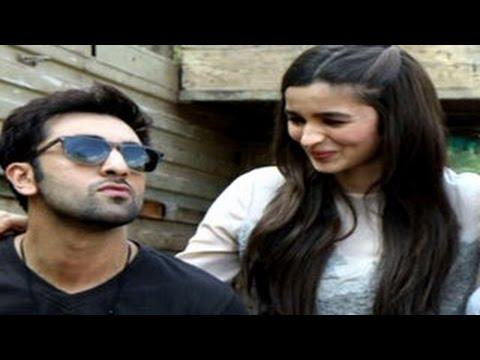 Alia Bhatt ROMANCES Ranbir Kapoor