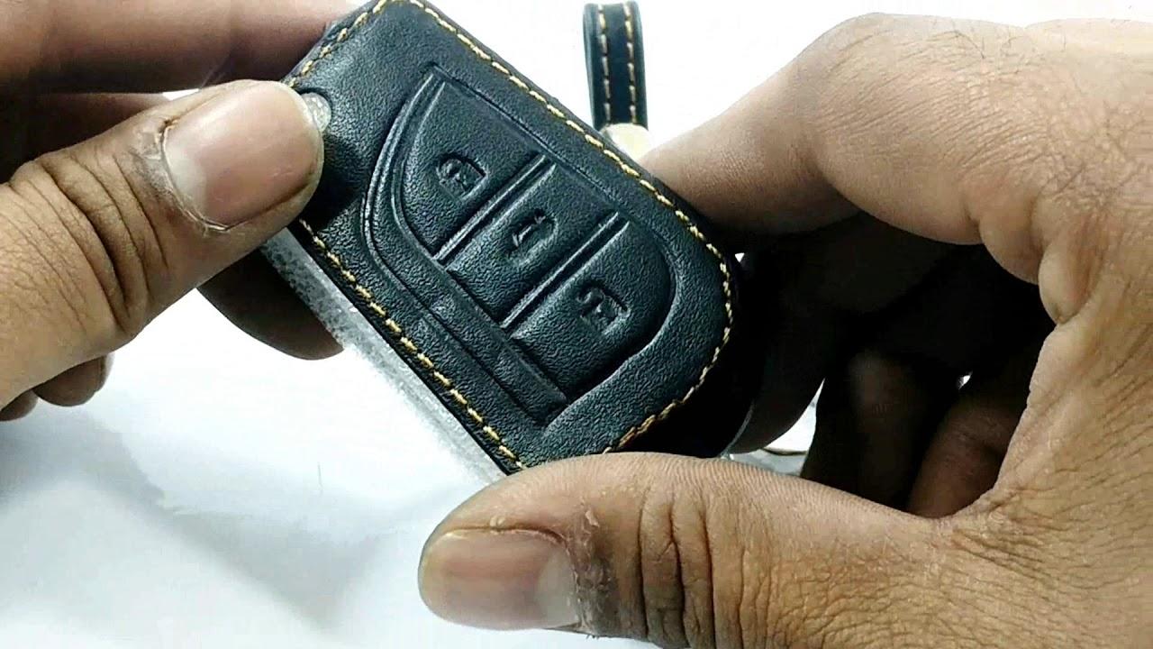 75f53dd28e Toyota Corolla Key Cover Leather 3 Button Jack Knife - Model 2014 - 2017