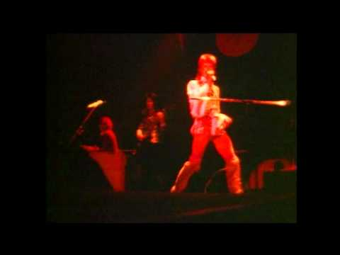 David Bowie Oh You Pretty Things Live.