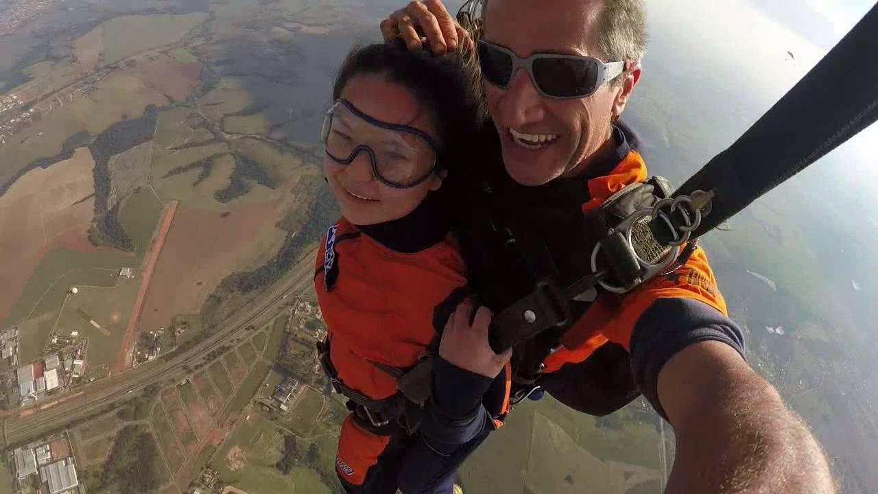 Salto de Paraqueda da Sofia L na Queda Livre Paraquedismo 31 07 2016