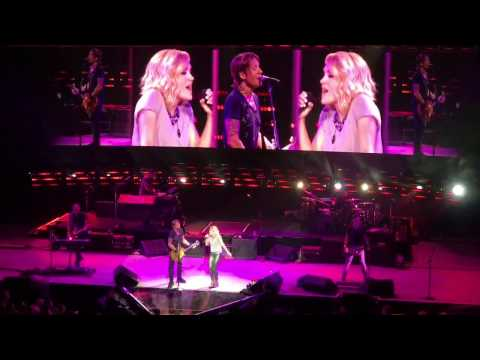 Keith Urban & Carrie Underwood - The Fighter & Stop Draggin' My Heart (Live in Sydney 14/12/2016)