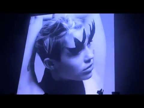 Miley Cyrus - Fitzpleasure (Alt-j) (Live) Bangerz Tour L.A (Backdrop)