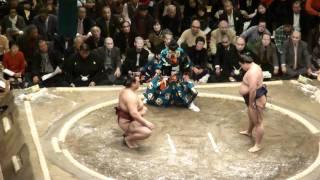 20110109 大相撲初場所 初日 稀勢の里vs嘉風.