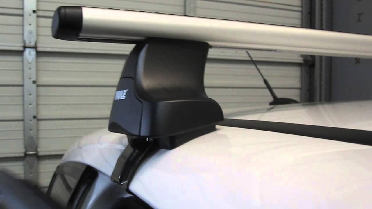 2013 Ford CMax 5DR with Thule 480R Traverse AeroBlade Roof