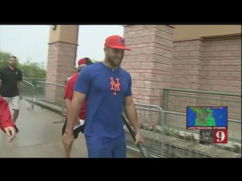 Video:Tim Tebow back in Florida and on the diamond