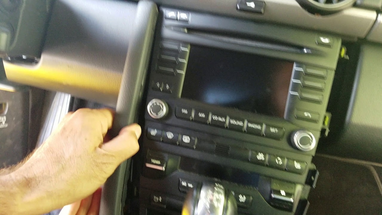 How to Remove Radio / CD Player from Porsche Cayman 2010 for Repair