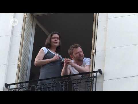 طالبة فرنسية تغني من شرفة منزلها منذ بداية الحجر الصحي  - نشر قبل 5 ساعة